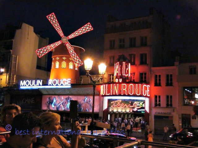 Moulin rouge from the night lights bus